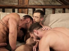 muscle-gay-threesome-and-creampie