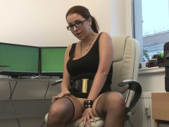geeky woman filmed herself while fingering her snatch