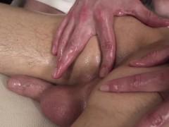 massaged-twink-gets-handjob-from-masseur