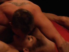 couples swinging and liked monster groupsex in the red room