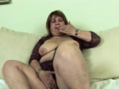 sexy granny is playing with herself before screwing