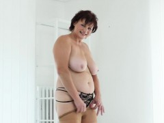 euro-gilf-danja-works-her-shaven-cunt-with-her-fingers
