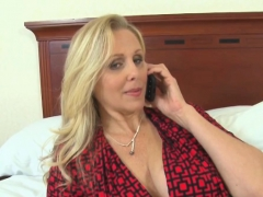 julia-ann-is-ready-to-have-cum-on-her-tits