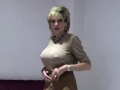 unfaithful-british-mature-lady-sonia-shows-off-her-big-titti