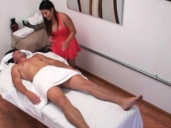 Extra Curvy Babe Gives Massage Than Goes Immodest