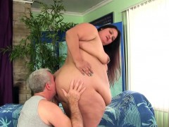 Fatty Lorelai Givemore gets sensual massage