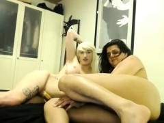 Blonde Trans Fucks A Girlfriend Live At Kakaducams
