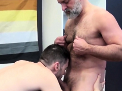 tom-carlton-likes-to-get-hairy-with-vincent-viau