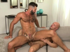 muscle-bear-bareback-with-cumshot
