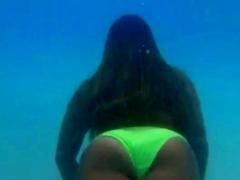 Underwater Bikini Babes