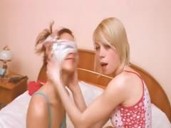 italian-girl-getting-kinky-with-girl