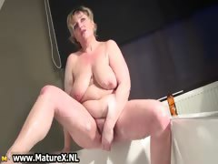 horny-busty-mature-mom-is-wanking-part4