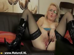 horny-mature-mom-is-rubbing-her-pussy-part5