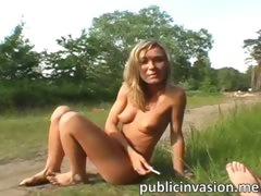 naked-sexy-girl-receives-cum-on-her-face-in-public