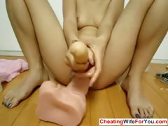 horny-woman-stick-things-in-her-pussy
