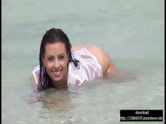 big-boobs-girl-on-the-beach