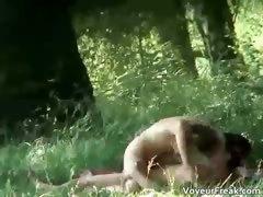 a-couple-up-the-park-voyeur-webcam-clip-part3