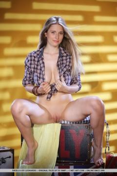 100 Sheela A Checkered Shirt Boobs Naked N