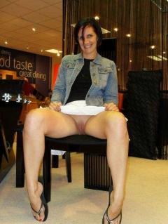 Shopping Nude - N
