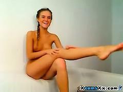 perfect-teen-body-on-webcam