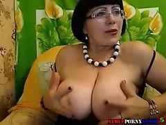 sexy mom camhot mom cam