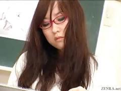 Japanese Nude Art Class Has Live Demonstration
