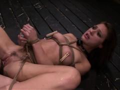 Fetishnetwork Callie Gives Deepthroat Bj