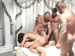 gay-toga-party-cocksucking-muscular-action