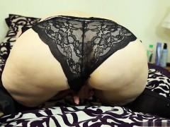 sexy-model-anal-gape