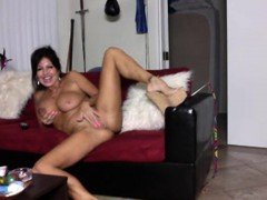 milf-masturbating-on-the-webcam