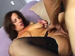brunettes-old-pussy-has-been-longing