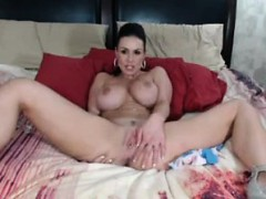 bodacious-brunette-cougar-drives-her-pussy-to-pleasure-on-t