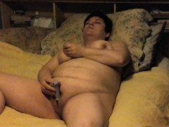 kinky-husband-filming-his-fat-wife-taking-herself-to-climax