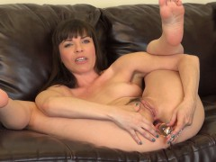 dana-dearmond-spreads-her-luscious-legs-and-drills-her-tight-anal-hole