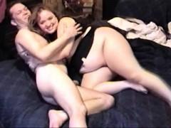 Chunky BBW brunette spreads her meaty thighs for her skinny boyfriend