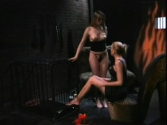 Blonde Babe Nicole Sheridan Makes Her Sexy Slave Lick Her Feet