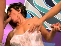 Milf Oral Porno Threesome