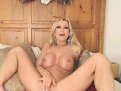 blonde-milf-try-a-big-dildo