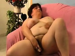 mature-alone-21-hollie