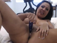 Nasty Milf Loves Toying Her Pussy hd