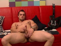 Sweethearts jerking solo