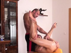 Twink Amateur Jerking During Muscle Massage