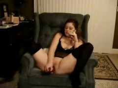 hot-teen-toys-her-pussy-while-talking-to-her-bf-on-the-phone