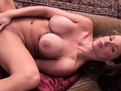 sexy-amateur-cougar-mom-with-great-felicia