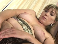 amateur-milf-with-hungry-hairy-poo-rickie