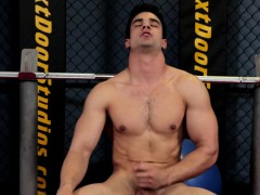 ripped-stud-wanking-and-working-out-in-gym