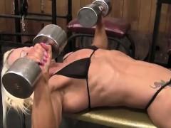 female-bodybuilder-nathalie-looks-amazing