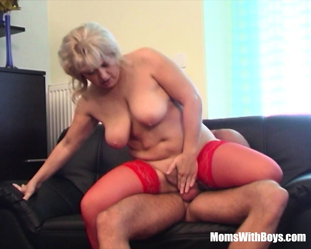 Fat girl fucked anal