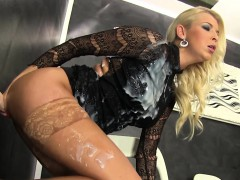 Blonde Whore Gets Bukkake