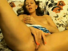 mature-fingering-masturbation-on-cam